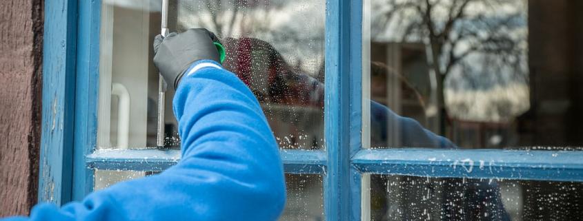 Fönsterputs ingår i vår flyttstädning